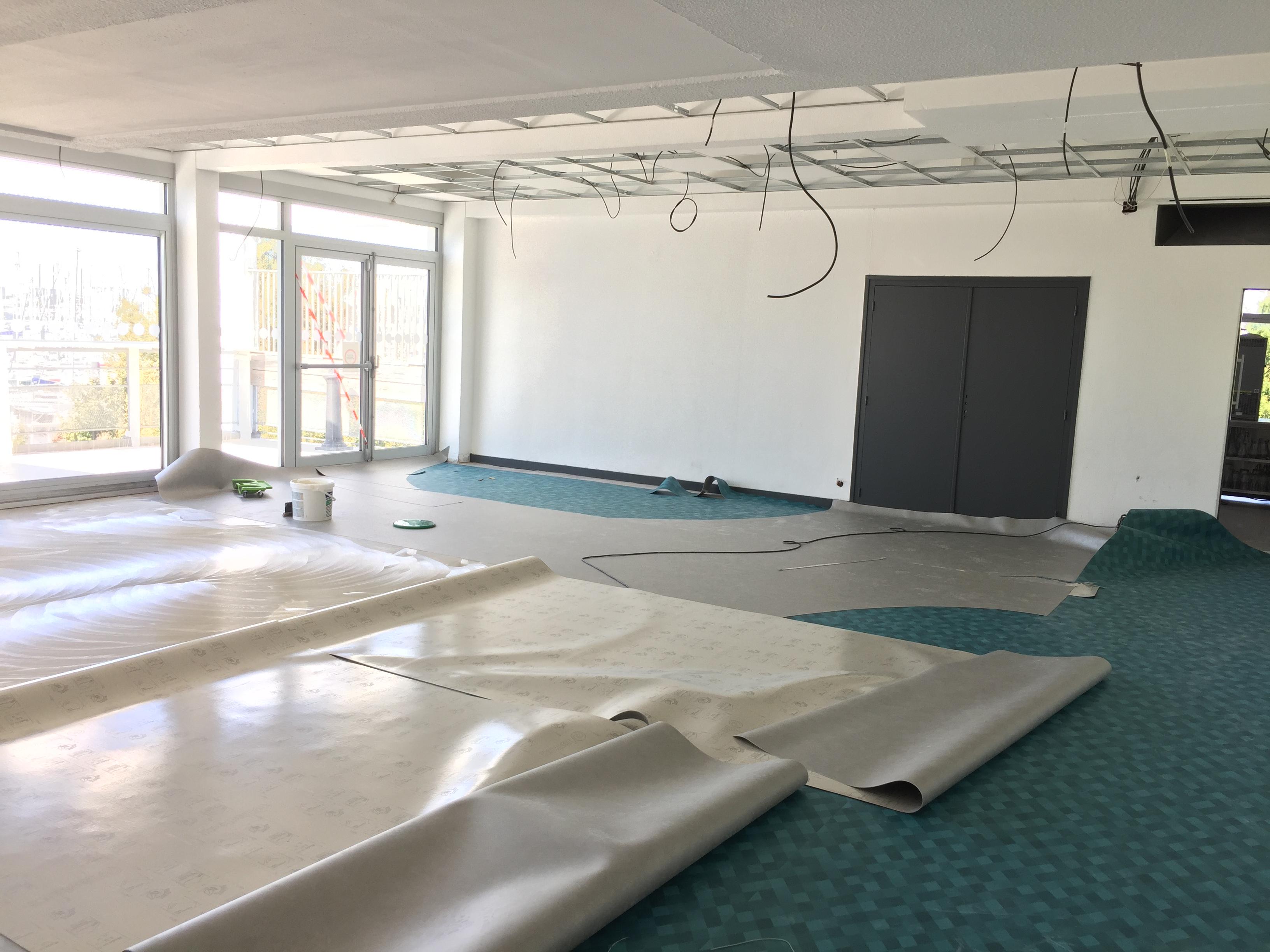 Phase 5 : Pose des nouveaux sol (Groupe Vinet) et plafond