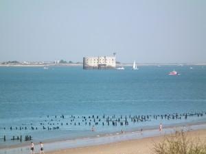 Fort Boyard depuis la plage des Saumonards, sur l'île d'Oléron