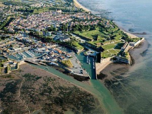 Vu aérienne de Château d'Oléron sur l'île d'Oléron